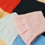テニススカートがトレンド!Tシャツとスニーカーのゆるスポカジが大人気♪
